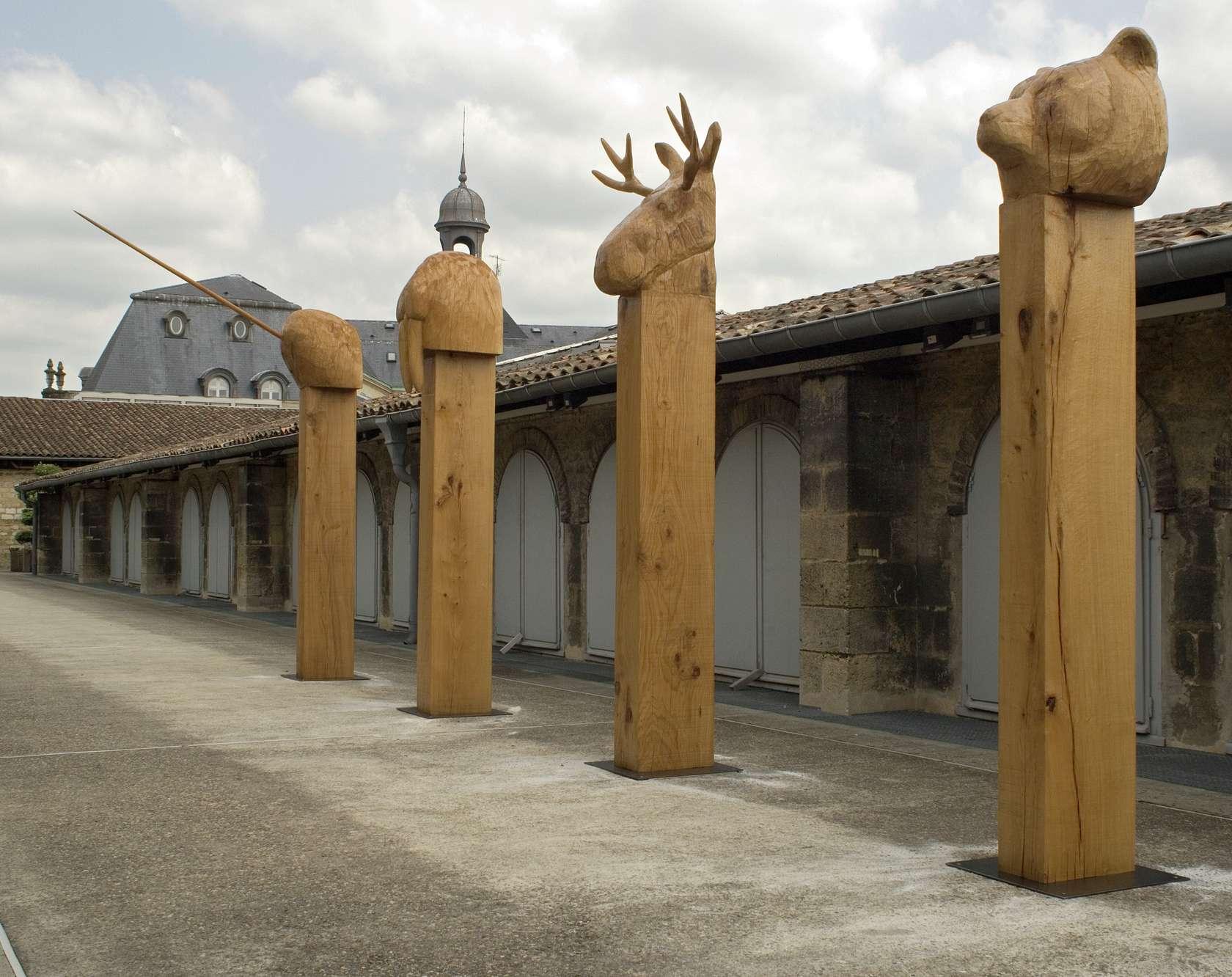 Laurent Le Deunff, Totems, 2007 Chêne256 x 50 x 50 cm / 100 6/8 x 19 5/8 x 19 5/8 inches