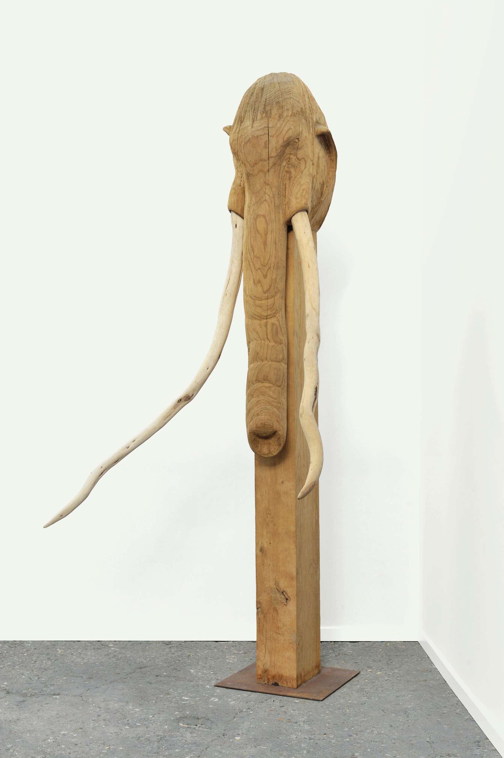 Laurent Le Deunff, Mammouth, 2009 Bois de chêne et bois de cade265 × 165 × 116 cm / 104 3/8 × 65  × 45 5/8 in.