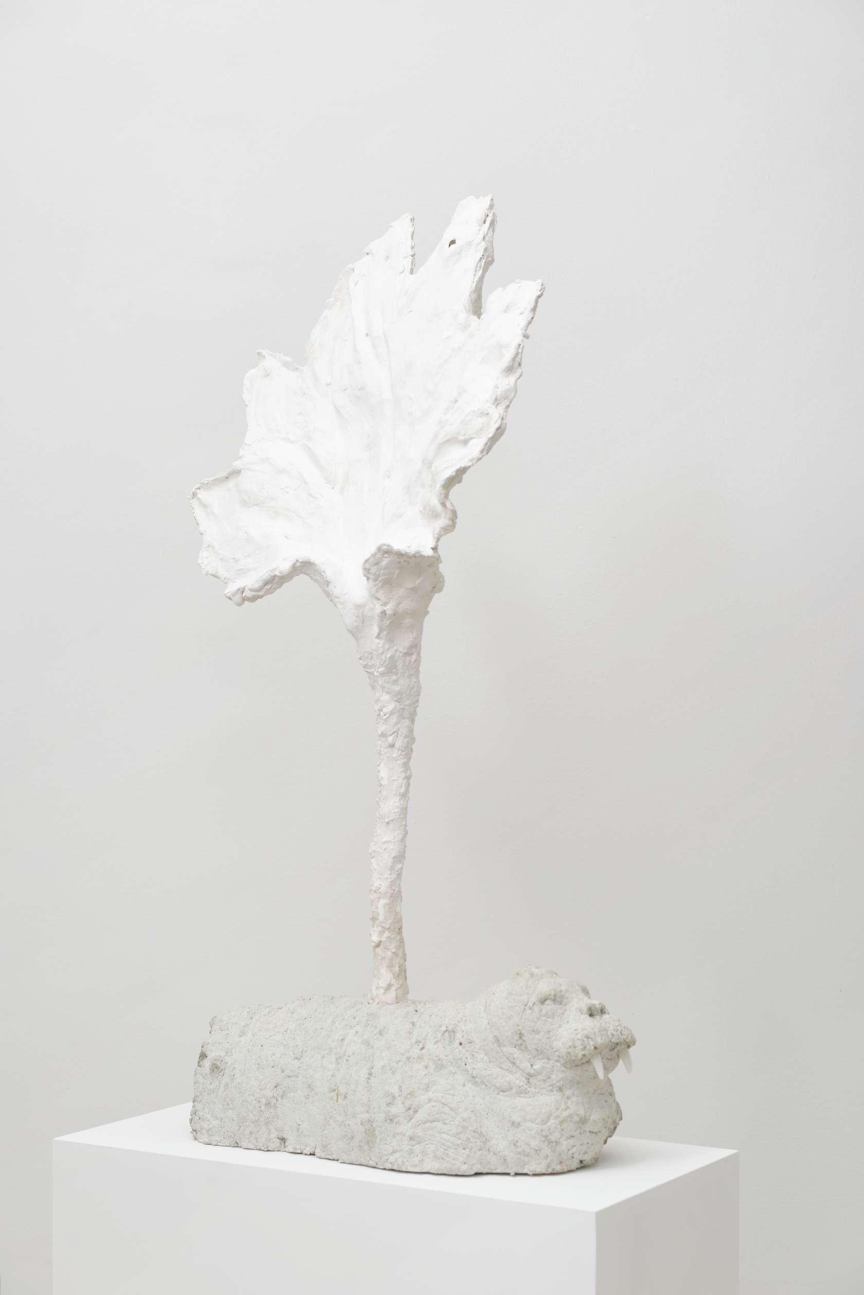 Laurent Le Deunff, Morse végétal, 2015 Plâtre, papier mâché, béton brut et albâtre92 x 43 x 15 cm / 36 2/8 x 16 7/8 x 5 7/8 inches