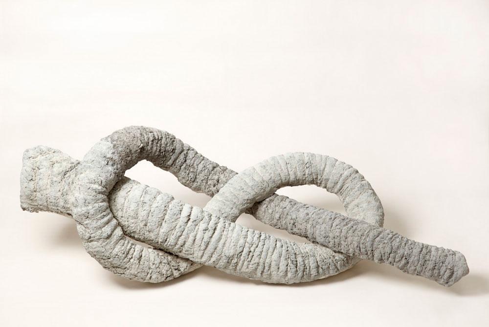 Laurent Le Deunff, Noeud de trompe I, 2012 Papier mâché, ciment28 x 100 x 40 cm / 11  x 39 3/8 x 15 3/4 inches