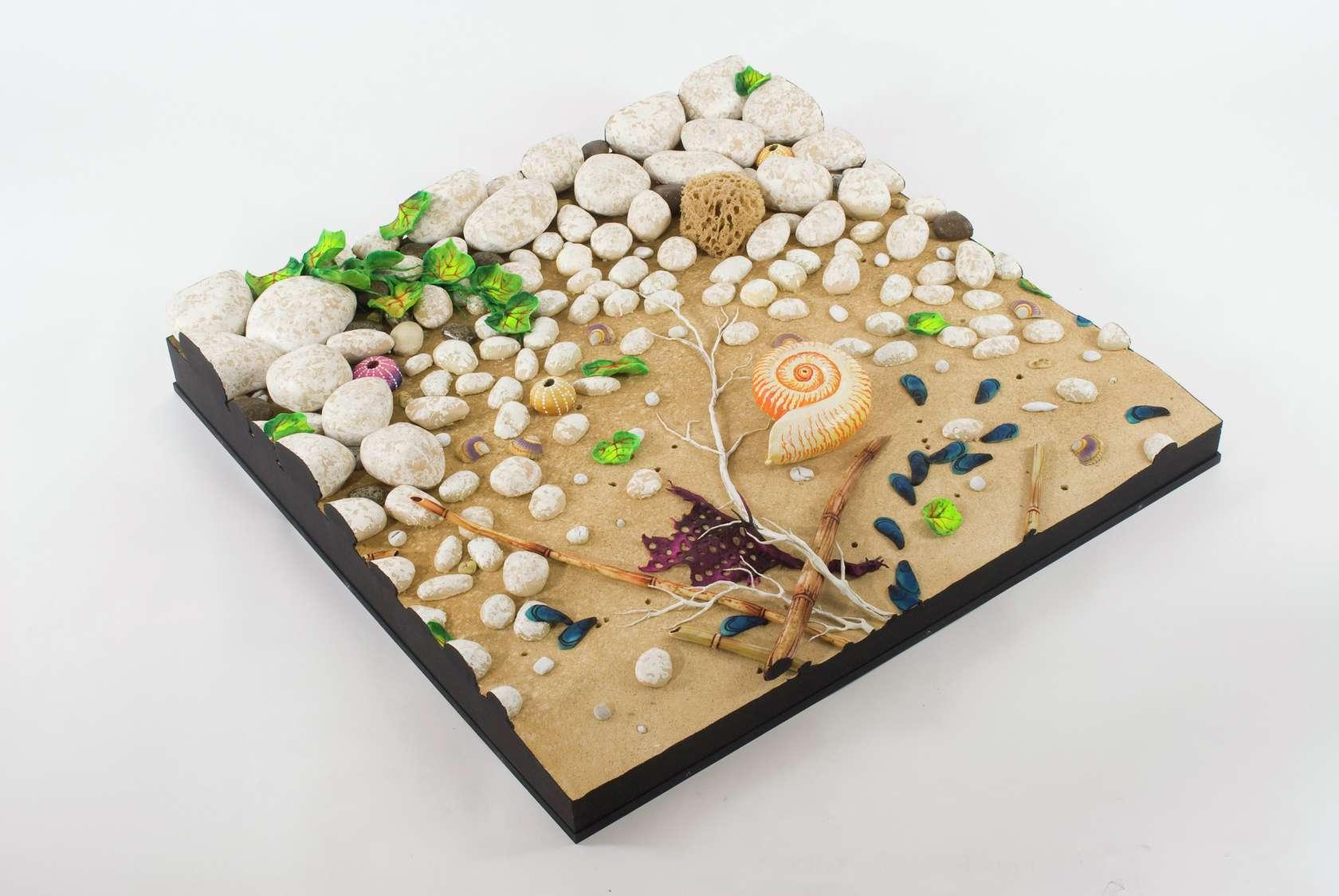 Piero Gilardi, Spiaggia con Nautilus, 2009 Mousse de polyuréthane100 × 100 × 20 cm / 39 3/8 × 39 3/8 × 7 7/8 in.