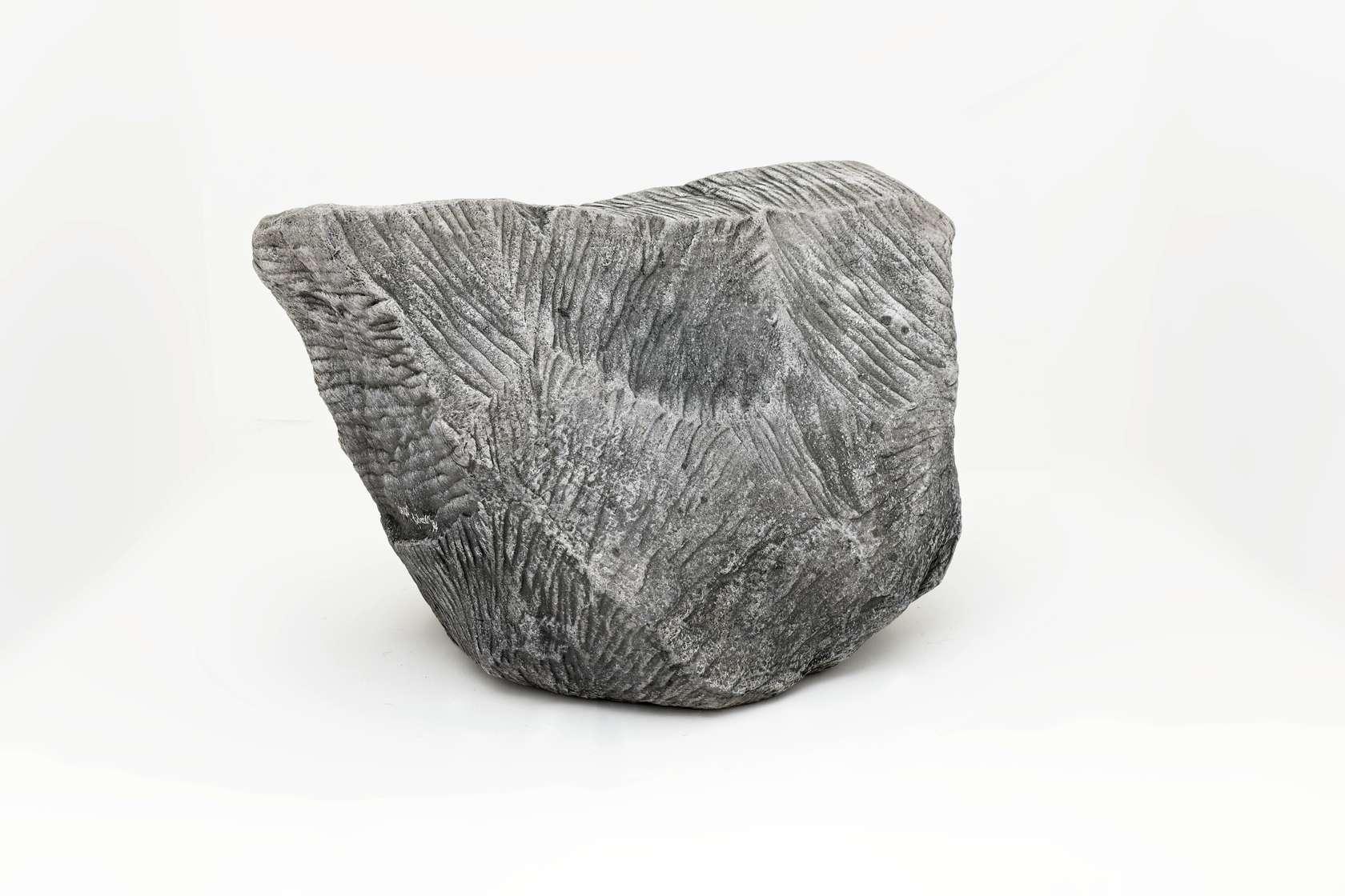 Piero Gilardi, Grigio, 1994 Mousse de polyuréthane et dispositif éléctronique sonore78 x 105 x 70 cm / 30 6/8 x 41 3/8 x 27 1/2 inches