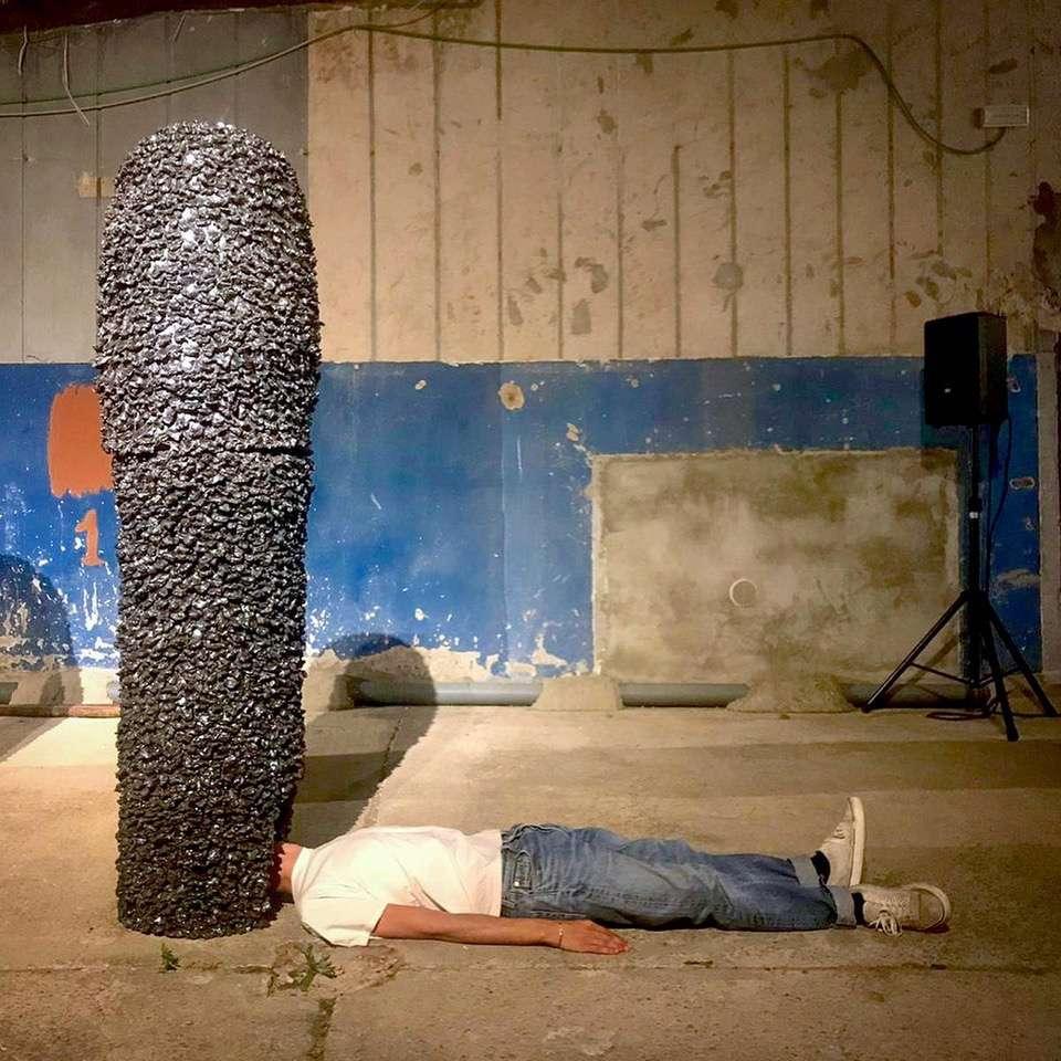 Salvatore Arancio, Kingdom I, 2019 Céramique émaillée160 x 40 cm / 63  x 15 3/4 inches