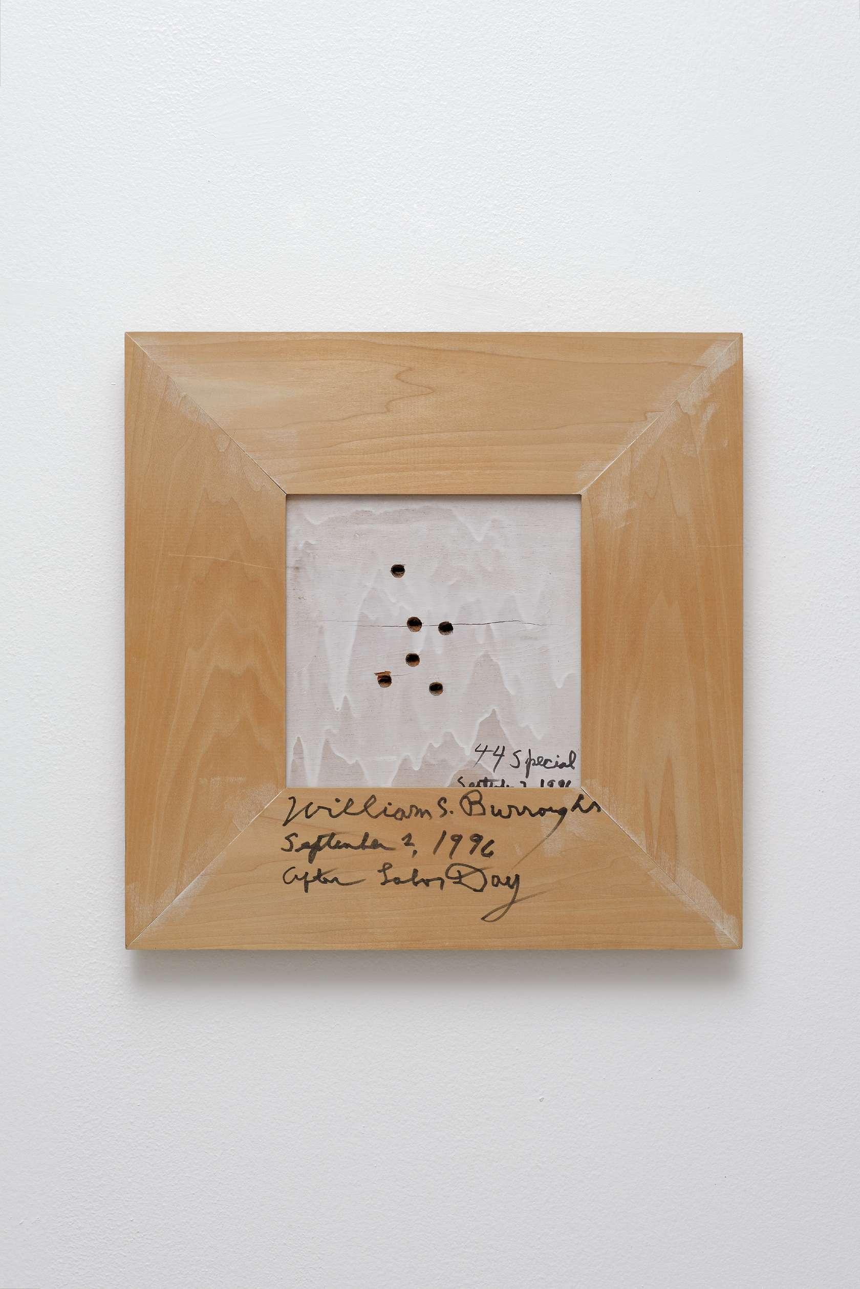 William S. Burroughs, 44 Spécial, 1994 Acrylique et impacts de balles sur bois48 × 47.5 cm / 18 7/8 × 18 6/8 in.