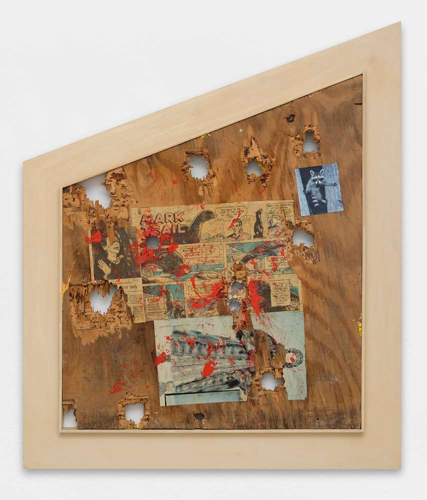 William S. Burroughs, Mink Mutiny, 1987 Acrylique, collages et impacts de balles sur panneau de contreplaqué75 x 64 cm / 29 1/2 x 25 2/8 inches