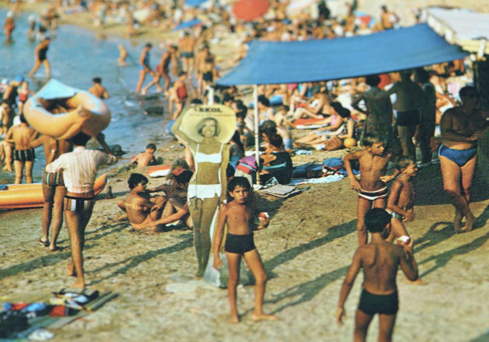 documentation céline duval, Vu! Six-Fours la plage., 2015 Tirage pigmentaire sur papier Fine Art Barita contrecollé sur dibond53 × 80 cm / 20 7/8 × 31 1/2 in.