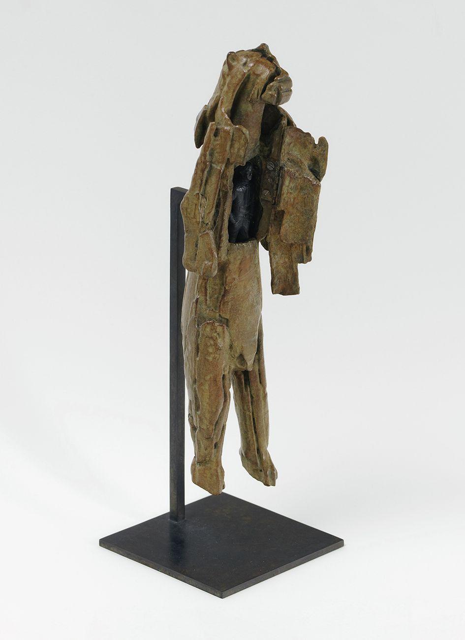 Abraham Poincheval, L'Homme lion, 2020 L'Âme primitive, Musée Zadkine, Paris (FR) September 28, 2021 - February 27, 2022 ©A. Mole